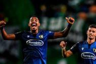Anderson Oliveira y Ruben Lameiras, tras la victoria ante el Sporting.