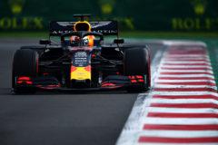 Sanción de tres puestos a Verstappen, que entrega la 'pole' a Leclerc