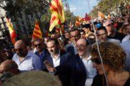 José Luis Ábalos y Miquel Iceta, ayer, durante la manifestación convocada por Sociedad Civil Catalana.
