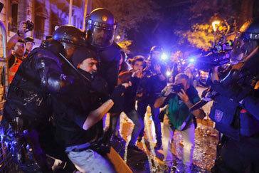 El Govern abre la mayor investigación interna a los mossos por los disturbios tras la sentencia