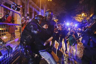 El Govern abre la mayor investigación interna a los Mossos por los disturbios tras la sentencia del 'procés'