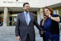 Carlos Sánchez Mato y Celia Mayer, tras declarar en el juzgado.