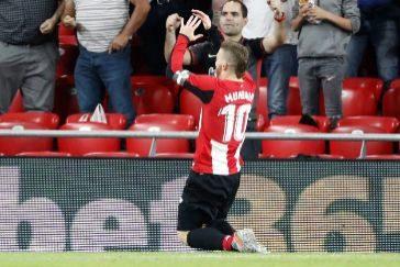 GRAF9361. BILBAO.- El delantero del Athletic Iker <HIT>Muniain</HIT> celebra el primer gol de su equipo ante el Espanyol, en el partido correspondiente a la undécima jornada de LaLiga Santander disputado este miércoles en San Mamés.