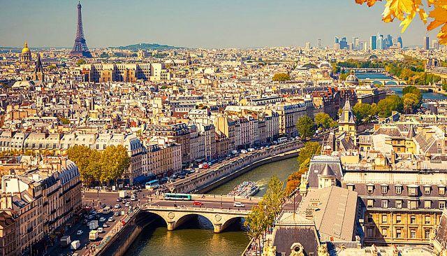 París es un ejemplo de ciudad jerárquica y de movilidad concentrada, que favorece el uso de transporte público y genera menos polución.