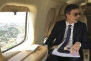 Pedro Sánchez, a bordo del Falcon que usa para sus desplazamientos cuando viaja como presidente del Gobierno, en una imagen difundida por Moncloa en junio de 2018.