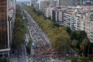 Miles de personas entran en Barcelona en protesta por la sentencia del procés.