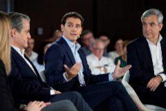 """Rivera pone de ejemplo al Gobierno PP-Cs frente al """"paraíso de  chorizos"""" del PSOE"""