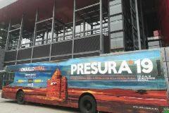 Autobús de El Hueco durante la presentación de Presura, la Feria Nacional de la Repoblación, en el Museo Reina Sofía de Madrid.