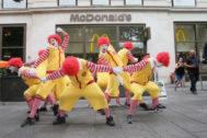 Una protesta contra el trato animal de McDonalds.