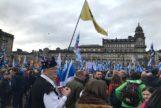 Partidarios de la independencia se manifiestan en Glasgow.