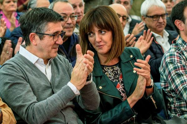 """Mendia dice que el  PP y Ciudadanos """"han comprado el libro de las políticas de Vox"""""""