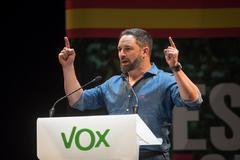 El candidato de Vox, Santiago Abascal, en un acto electoral, en Santander.