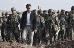 El presidente sirio, Bashar Asad, junto a sus soldados.
