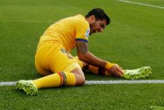 Luis Suárez, lesionado en el Ciutat de Valencia.