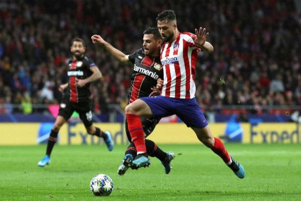 El brasileño Felipe en el Atlético - Leverkusen