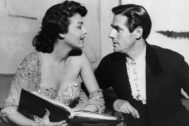 Ava Gadner y Mario Cabré, durante el rodaje de la película 'Pandora y el holandés errante' en 1950.