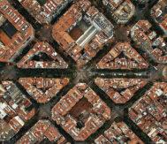 Imagen aérea del Ensanche de Barcelona, pionera en invertir en soluciones urbanas inteligentes.