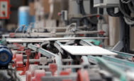 Instalaciones interiores de una línea de fabricación en una empresa cerámica en la provincia de Castellón.