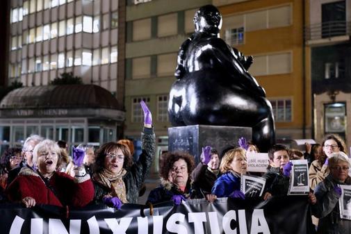 Protesta en Oviedo por la sentencia de la Audiencia de Barcelona que...