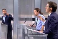 Abascal, durante el debate, en un momento de la discusión con Rivera e Iglesias.