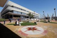 Uno de los edificios del campus de Loyola en Dos Hermanas (Sevilla).
