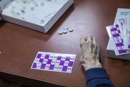 Una persona mayor, en el Hospital Centro de Cuidados Laguna