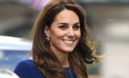 Kate Middleton se ha decantado por un diseño de Emilia Wickstead, una de sus firmas de cabecera.