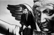 Bruno Ganz en 'El cielo sobre Berlín'.