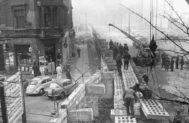 La construcción del Muro en Zimmerstrasse, en noviembre del 61.