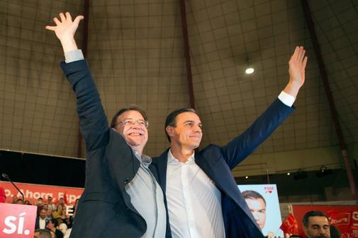 Pedro Sánchez, con Ximo Puig este jueves en Castellón.