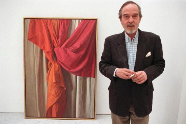 El pintor Claudio Bravo Camus en una exposición en 1999.
