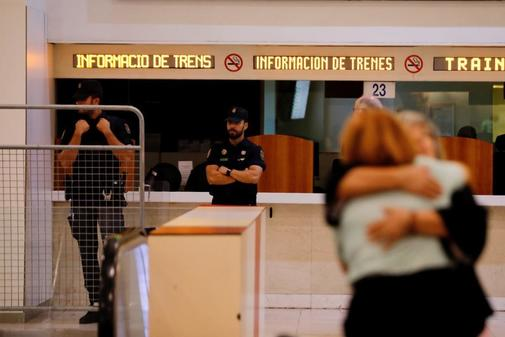 Agentes de la Policía Nacional refuerzan la seguridad en la estación...