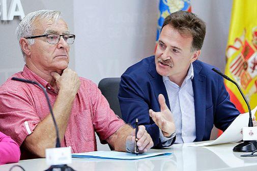 Ribó conversa con Grezzi en una intervención reciente.