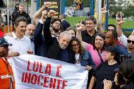 Lula, tras salir de la cárcel.