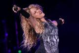 Shakira en una imagen de archivo, durante un concierto