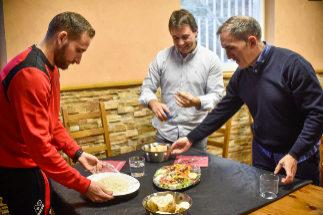 El txoko de Ipurua, reuniones con las parejas de los jugadores... los secretos del milagro del Eibar