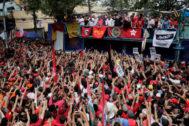 El ex mandatario Lula da Silva se dirige a sus seguidores.