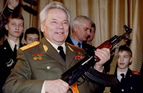 El arrepentimiento de Mijail Kalashnikov (contado por su hija)