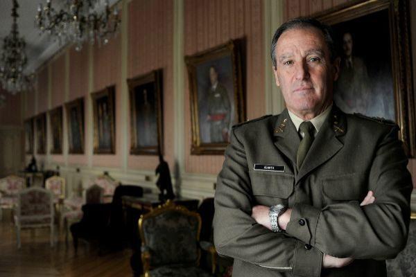 Los nuevos diputados de Vox: cuatro militares, dos víctimas de ETA, un abogado de los Franco, un cazador...