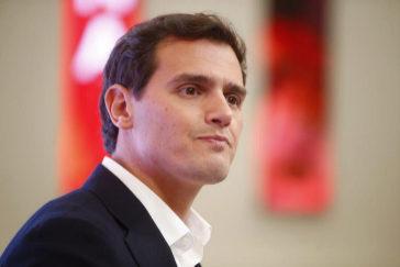 Albert Rivera, tras presentar su dimisión como presidente de Ciudadanos, este lunes, en Madrid.
