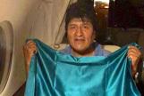 Evo Morales vuela a México  tras aceptar el asilo político mientras el vacío de poder amenaza el país