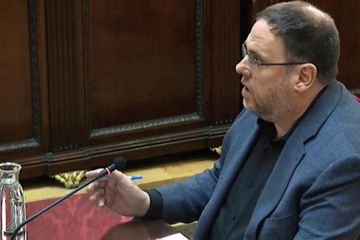El líder de ERC, Oriol Junqueras, durante su turno de última palabra...