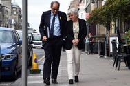 El presidente de la Generalitat, Quim Torra, con la ex consellera de Educación, Clara Ponsatí.