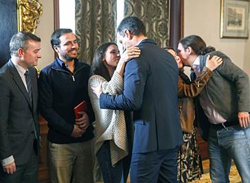 Las dos difíciles vías que tiene ante sí el pacto Sánchez-Iglesias