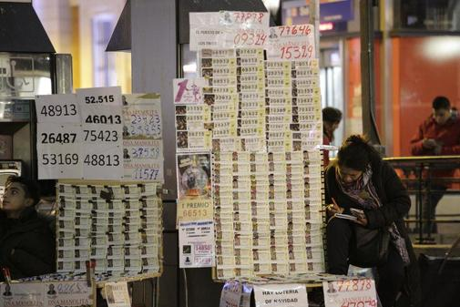Mesa de venta ambulante de Lotería en la Puerta del Sol