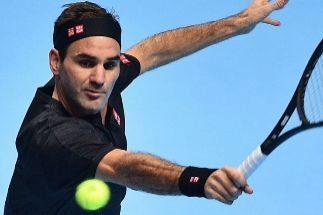 Federer se repone ante Berrettini y mantiene sus opciones de llegar a semifinales