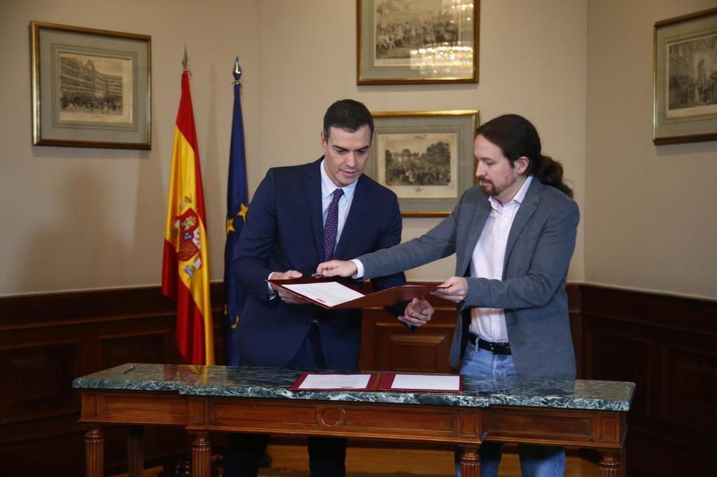 El candidato del PSOE, Pedro Sánchez, y el candidato de Unidas...