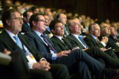 GRAFAND2156. MÁLAGA.- El presidente de la Confederación Española de Organizaciones Empresariales(<HIT>CEOE</HIT>), Antonio Garamendi(2i), el actor y director Antonio Banderas (3i), y el alcalde de Málaga, Francisco de la Torre (2d), durante el XVIII Congreso de Directivos CEDE, 'Anticipando tendencias, construyendo futuro' en el que se abordará los desafíos que plantea el siglo XXI, en el Palacio de Ferias y Congresos de Málaga.