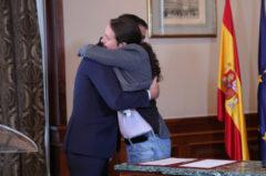 12/11/2019 El presidente del Gobierno en funciones, Pedro Sánchez y el líder de Podemos, Pablo <HIT>Iglesias</HIT>, se abrazan en el Congreso de los Diputados después de firmar el principio de acuerdo para compartir un gobierno de coalición tras las elecciones generales del pasado domingo, en Madrid (España), a 12 de noviembre de 2019. SOCIEDAD Jesús Hellín - Europa Press