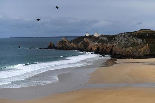francia-cierra-varias-playas-al-llegar-una-tonelada-de-cocaína-de-pureza-máxima-con-la-marea